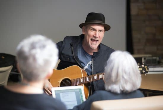 Renowned writer, musician, and MFA guest faculty Peter Himmelman