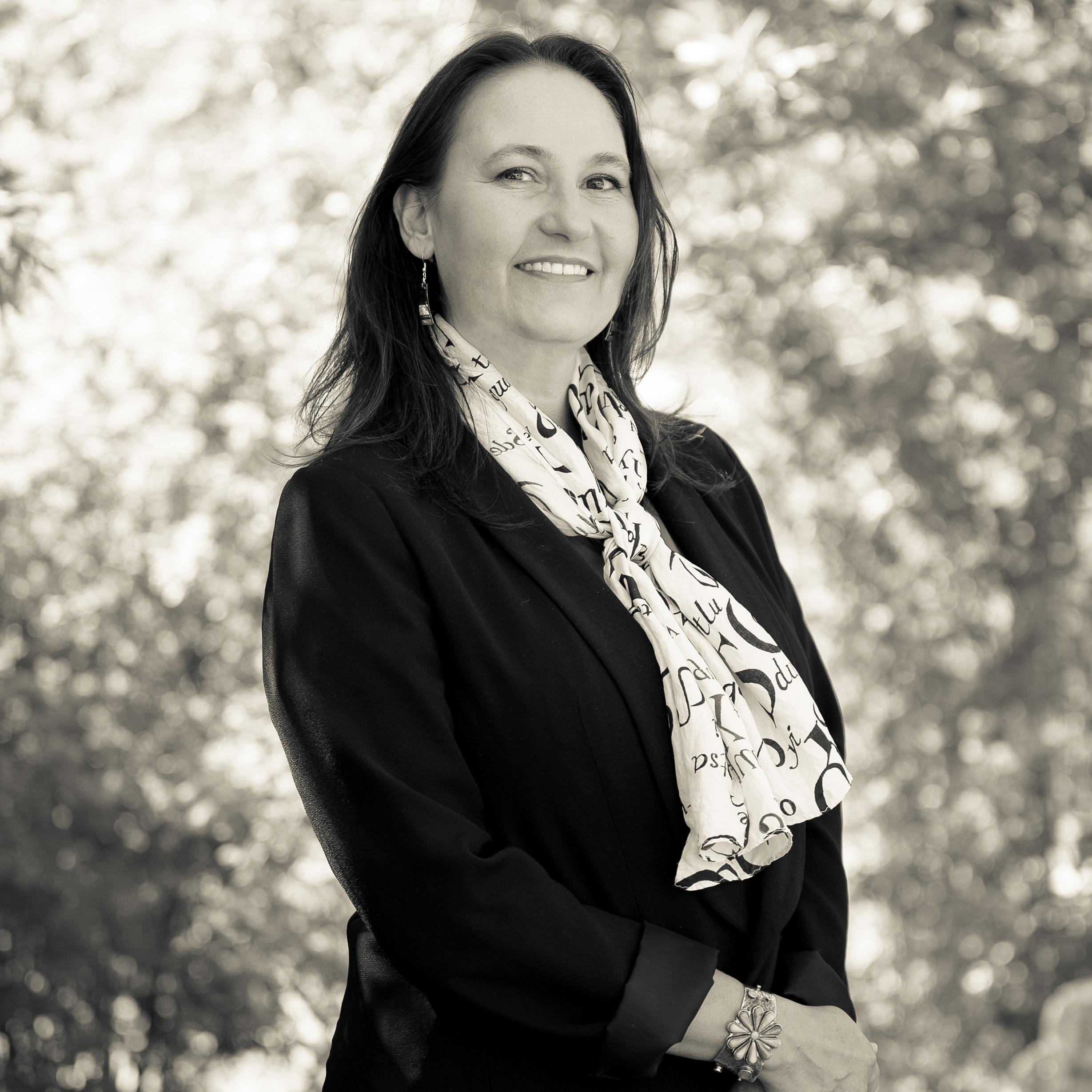IAIA's Dr. Lara Evans to Guest Curate Smithsonian American Art Museum's Renwick Invitational